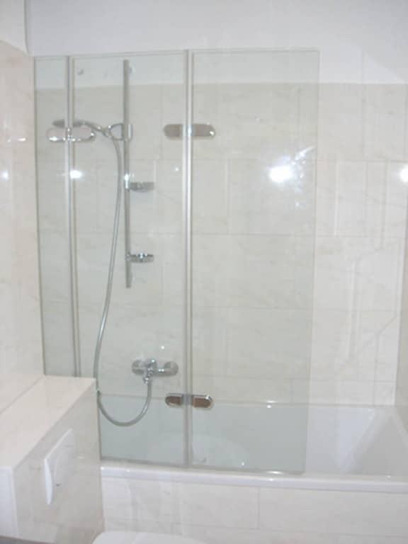 Badewannen-Aufsatz zwei Falttüren und ein Festglas