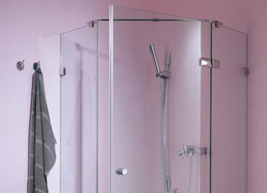 Fünfeck-Lösungen für Duschen